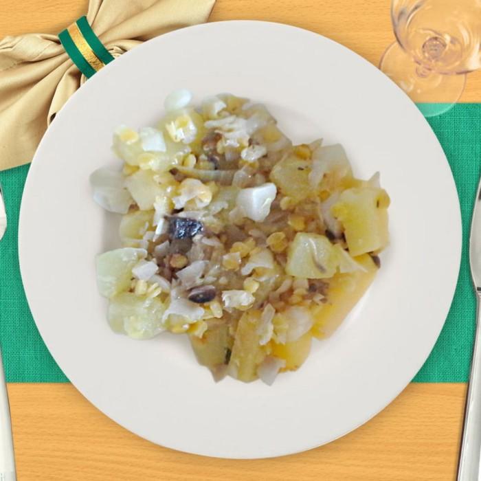 Тушеные кабачки с чечевицей и капустой